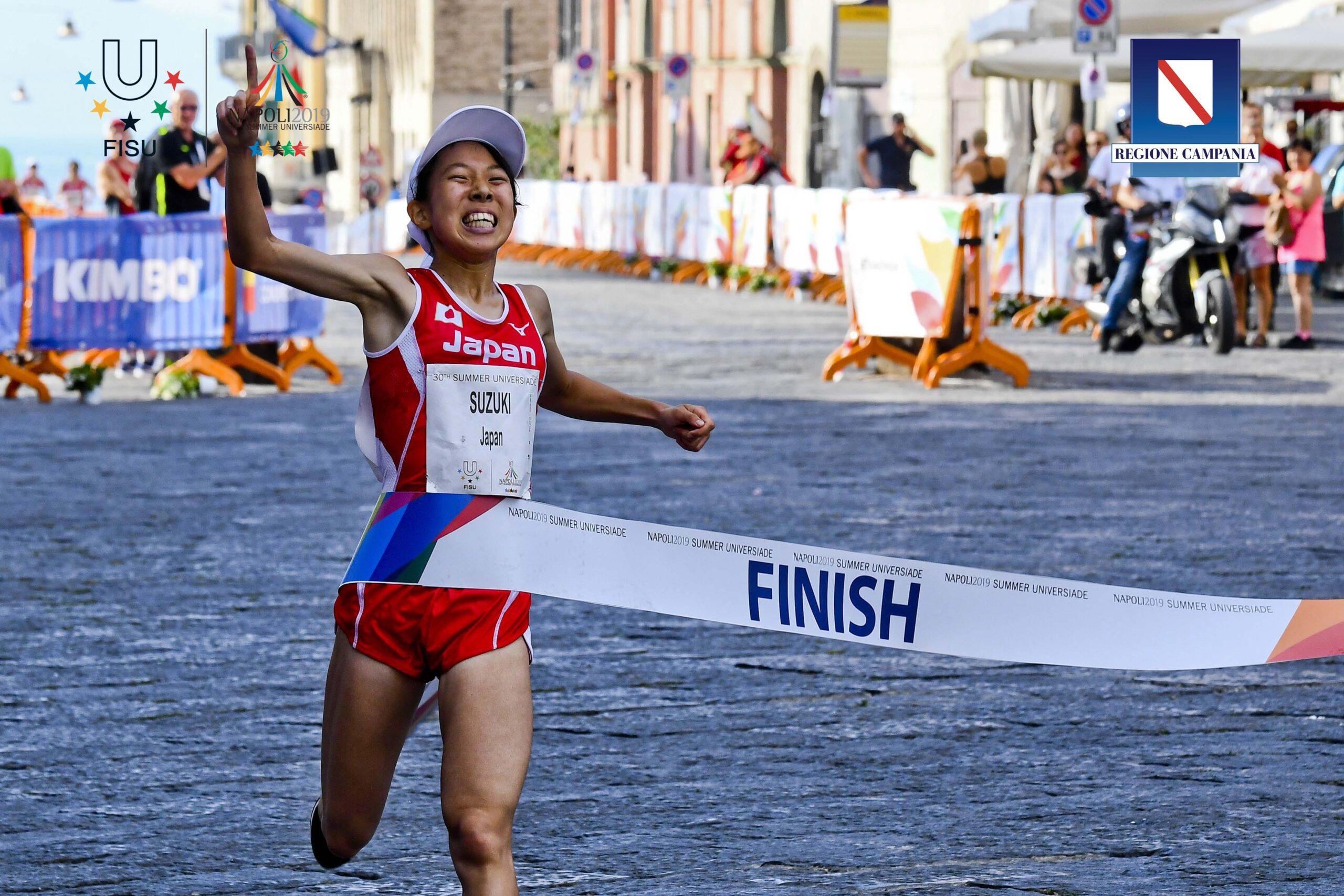 Tripletta tutta del Giappone nella mezza maratona donne dell'Universiade Napoli 2019 . Al traguardo in piazza del Plebiscito dono arrivate, nell'ordine, Suzuki, Tagawa e Kaseda 13 luglio 2019 ANSA / CIRO FUSCO